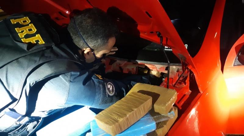 PRF apreende 11kg de pasta base de cocaína em Betim (Imagem PRF Divulgação)
