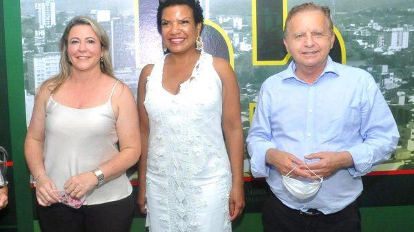 Vittorio Medioli e Cleusa Lara com Ester Sanches em encontro com instituições sociais 1.out.2020 (Imagem Divulgação)