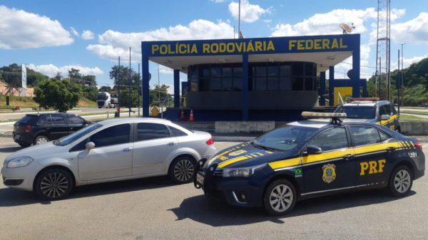 Em Betim, PRF detém assaltante de residência e recupera itens roubados (Imagem PRF Divulgação)