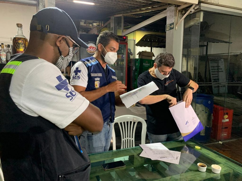 9.jan.2021 - Bares são multados pela Prefeitura de Betim (Imagem PMB/Divulgação)