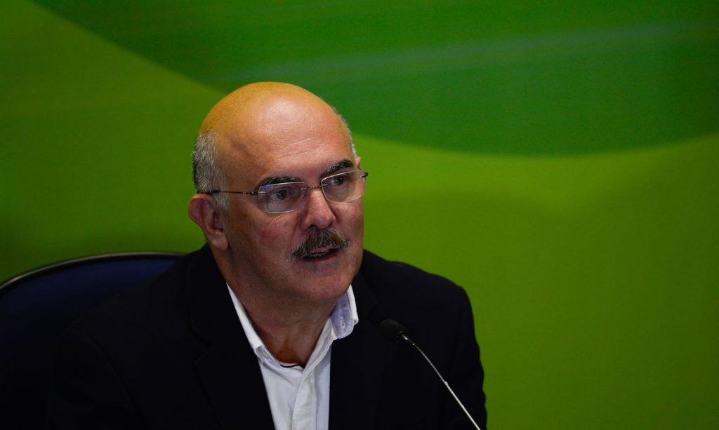17.jan.2021 - O ministro da Educação, Milton Ribeiro, participa da entrevista coletiva sobre o primeiro dia de provas do Enem (Imagem Marcello Casal Jr./Agência Brasil)