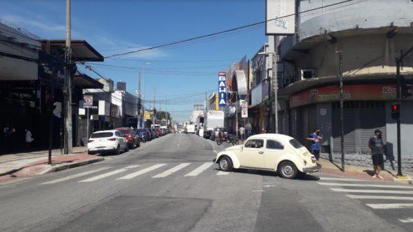 17.mar.2021 - Movimentação na região central de Betim após novo decreto determinando o fechamento do comércio (Imagem Agenda Betim)