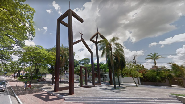 Praça Milton Campos, em Betim (MG)
