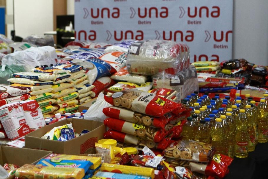 Ação solidária da Una Betim entrega 1,6 tonelada de alimentos para Prefeitura (Imagem Anselmo UBL/PMB/Divulgação)