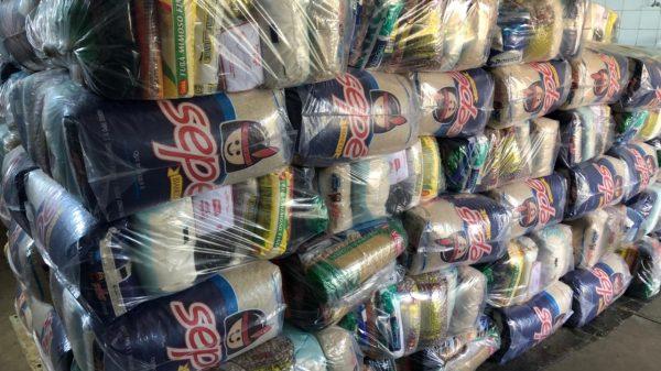 Doação de cestas básicas no Salão do Encontro em abril de 2021 (Imagem Salão do Encontro Divulgação)