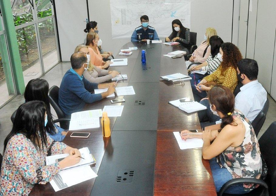 02.jun.2021 - equipes das secretaria de Saúde e Educação planejam vacinação contra a Covid-19 em Betim (Imagem Reprodução Facebook)