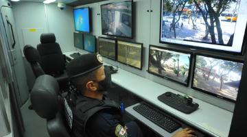 Cabine de visualização das câmeras da Guarda Municipal