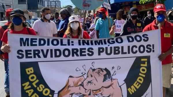 Manifestantes protestam em Betim contra Bolsonaro, Zema e Medioli (Imagem Frente Brasil Popular) 0